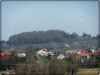 Kajetanów- widok na Górę Chełmową w Zachełmiu- wysokość 399 m n.p.m