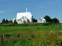 Mijamy kościół w Morawicy